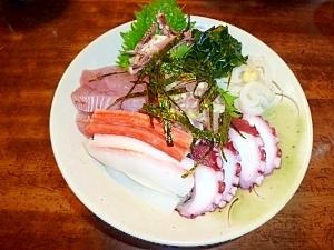 イカとビン長マグロのたたき丼