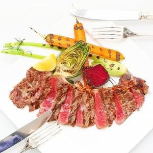 シャロレ牛のステーキ