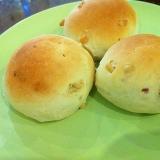 ふわふわ!松の実の白パン