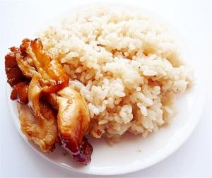 スープの素で シンガポールチキンライス 海南鶏飯