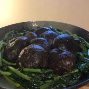 干しアワビの姿煮?干し椎茸のオイスター煮込み