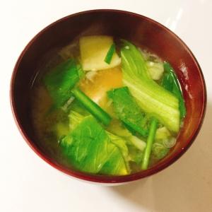 青梗菜とニラ、豆腐の味噌汁♬