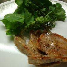 簡単★塩豚ステーキ・黒こしょう味 ルッコラ添え