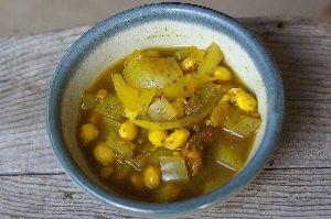 大豆とオニオンのカレー味スープ