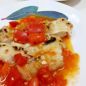 鶏むね肉のソテーwithフレッシュトマトソース♪