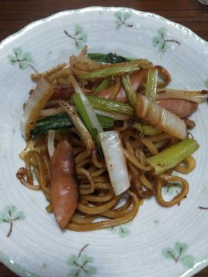 白菜と小松菜の焼きそば