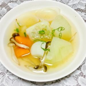 冬瓜がたくさん入った野菜スープ