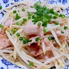 シンプル一番 もやしと豚肉の炒め物