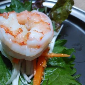 野菜たっぷり!サニーレタスの海老巻き⭐