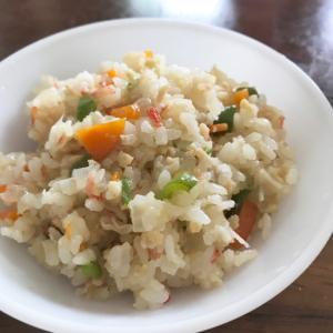 【幼児食】野菜たっぷりカニかまチャーハン