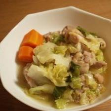 簡単ヘルシー♪キャベツと鶏肉のスープ煮