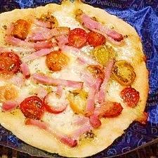 おから生地☆バジルソースとトマト、ベーコンピザ