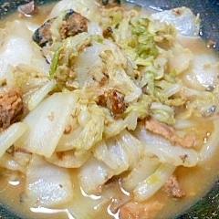さばの味噌煮缶と白菜の煮物