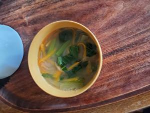 小松菜と人参の春雨スープ