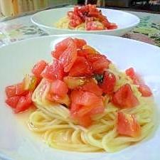 冷たいガーリックトマトパスタ