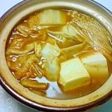 キムチ鍋の素と液状味噌ベースの鍋