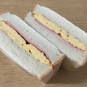 厚焼きたまごとハムのサンドイッチ