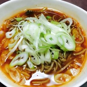 餃子白菜鍋リメイク!キムチの辛味ネギ蕎麦♡