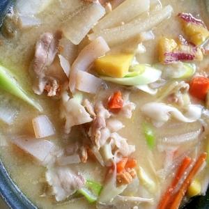 野菜たっぷり♪体も温まるよ!!我が家の豚汁