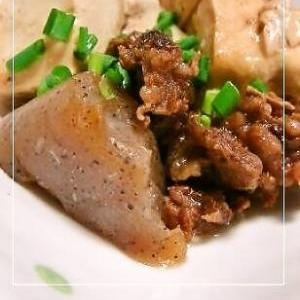 とろける牛スジ肉で✿にんにく肉豆腐
