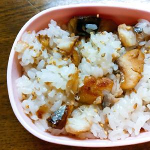 焼きサバと白ゴマの炒めご飯