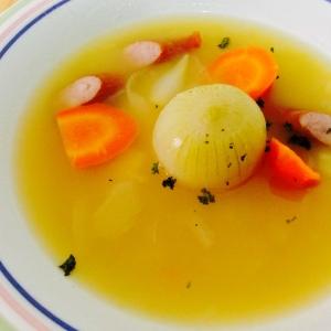 圧力鍋でトロトロ!玉ねぎの丸ごとコンソメスープ