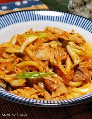 韓国味な豚キムチ焼きうどん