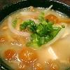 玉ねぎたっぷりのなめこ豆腐味噌汁