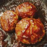 甘辛濃厚ソースのふわふわお豆腐ハンバーグ
