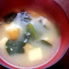 味噌汁☆青菜・豆腐・油揚げ