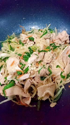豚肉と大根とにらの炒め物