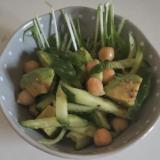 簡単!アボカドひよこ豆のさっぱりサラダ