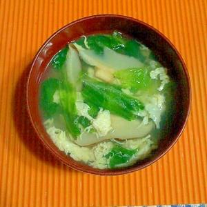 干し椎茸とレタスの卵スープ♪