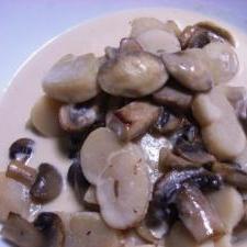 平貝(タイラギ)とマッシュルームのクリームソテー