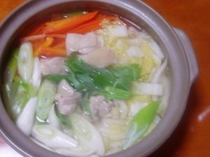 鶏もも肉で!簡単鶏の水炊き(隠し味あり)♪
