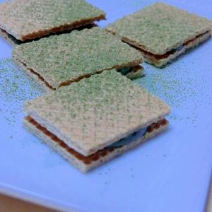 大麦生活で、ほろ苦緑茶クラッカーサンド