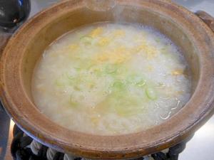 残りご飯で雑魚と卵の雑炊