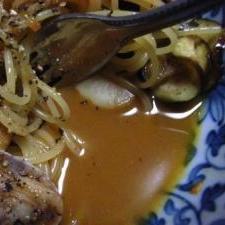 魚のアラのスープパスタ