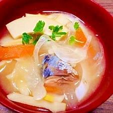 毎日のお味噌汁209杯目*筍と玉葱、サバ缶