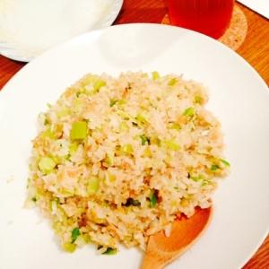 ブロッコリー芯とピーマンとえのきで納豆炒飯