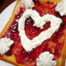 幸せ*ブルーベリージャム&ホイップクリームトースト