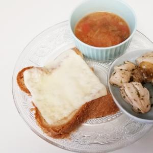 トマトスープ、ささみ焼き、チーズトーストプレート
