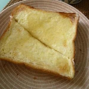 とろけるおいしさ、バターはちみつトースト