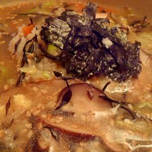 鉄分たっぷり☆干し椎茸とひじきの中華風雑炊