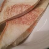フライパンでサクサク!チーズと人参のホットサンド