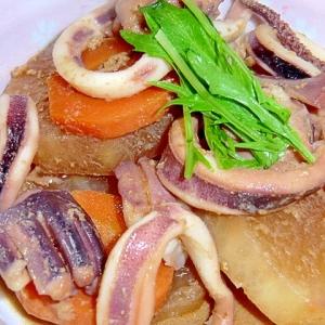 隠し玉はオイスターソース,いかと根菜の煮物