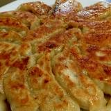 肉汁じゅわ〜♫ウチの焼き餃子