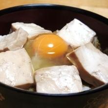 お肉なしでも、とってもヘビーなすき焼き風丼☆