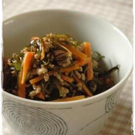 一緒に煮込んで美味しい「切り昆布」の煮物レシピ