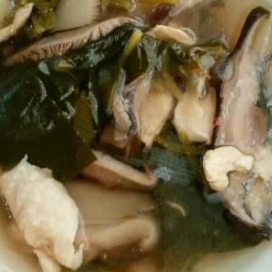 鶏胸肉とほうれん草の中華スープ